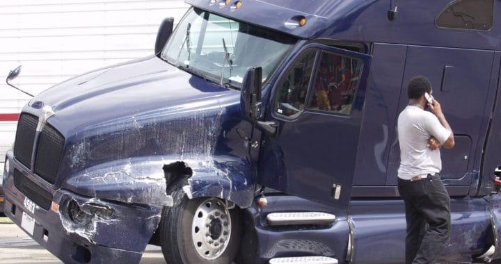 1 Dead in Semi-Truck Crash on Highway 145 near Ashlan Avenue [Fresno, CA]